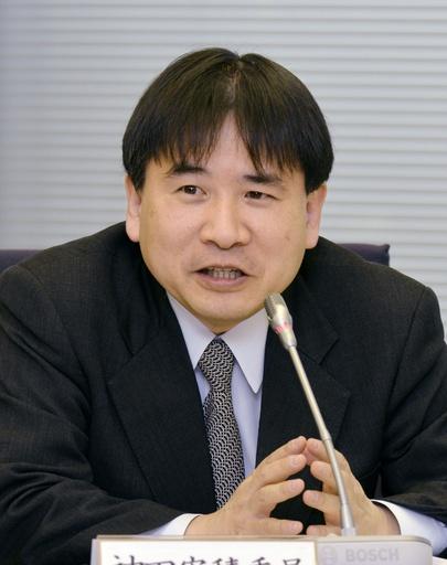 意見を述べる神田安積委員=14日、東京・東新橋の共同通信社