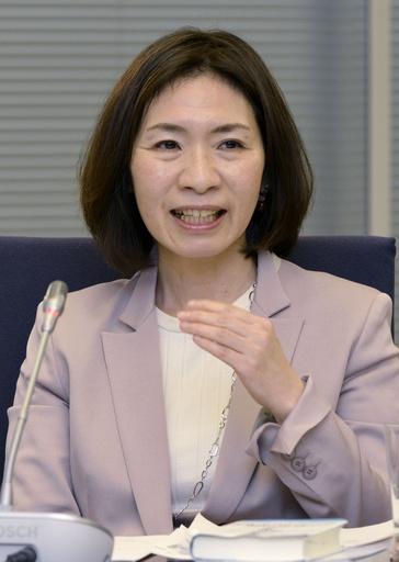 意見を述べる太田差恵子委員=14日、東京・東新橋の共同通信社
