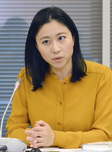 意見を述べる三浦瑠麗委員=7日、東京・東新橋の共同通信社