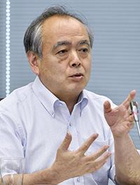 意見を述べる清水勉委員=8日、東京・東新橋の共同通信社