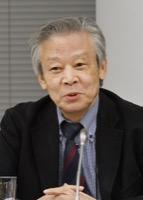 意見を述べる後藤正治委員=11月18日、東京・東新橋の共同通信社