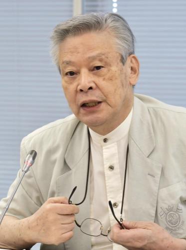 意見を述べる後藤正治委員=6月30日、東京・東新橋の共同通信社