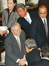 青木自民党参院議員会長