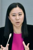 意見を述べる三浦瑠麗委員=10日、東京・東新橋の共同通信社