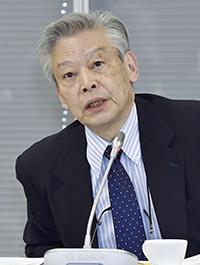 意見を述べる後藤正治委員=11日、東京・東新橋の共同通信社